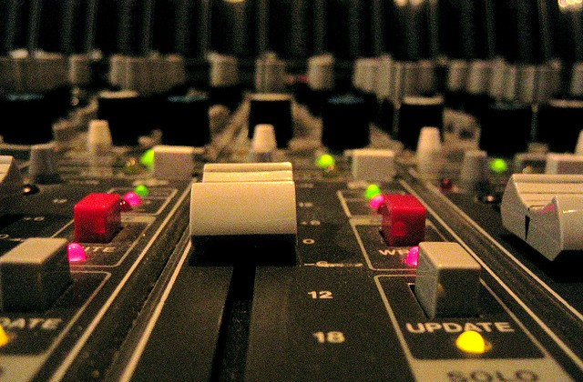 7 Live Sound Tips for a Better Mixing Experience