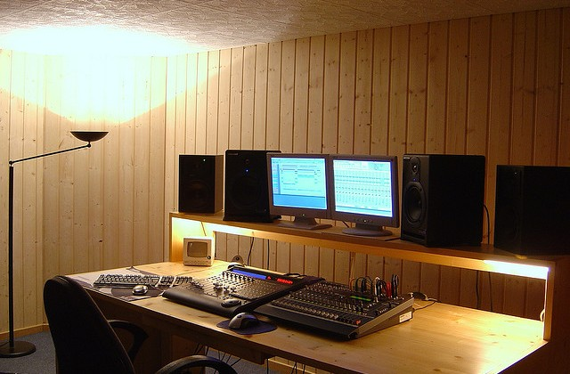 Building a Home Recording Studio – Furniture and Ergonomics