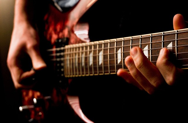 7 Advanced Guitar Mixing Techniques for an Amazing Guitar Production