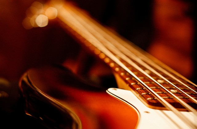 How to Record a Punchy and Powerful Bass Guitar