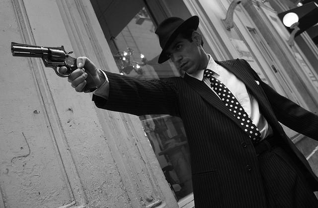 gangster-eq