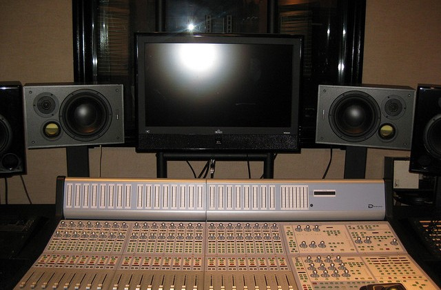 Phenomenal How To Set Up A Home Recording Studio That Works For You Audio Largest Home Design Picture Inspirations Pitcheantrous