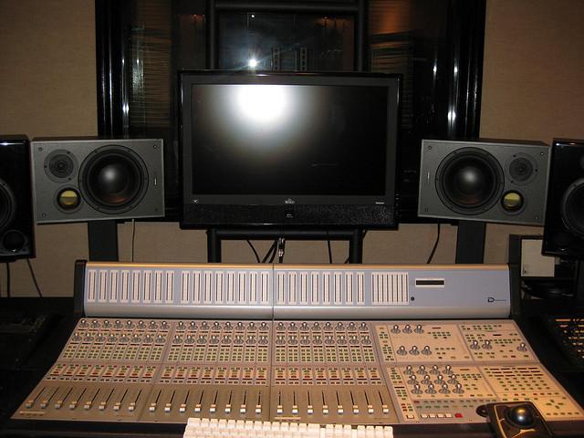 6 - monitors
