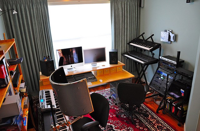 Astounding How To Set Up A Great Mixing Space Without Spending A Fortune Largest Home Design Picture Inspirations Pitcheantrous