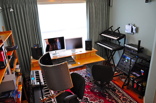 Simple Bedroom Recording Studio building a home recording studio for under $1,000 – audio issues