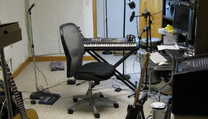 3 Simple and Useful DIY Studio Hacks: Frugal Tips for The Home Musician