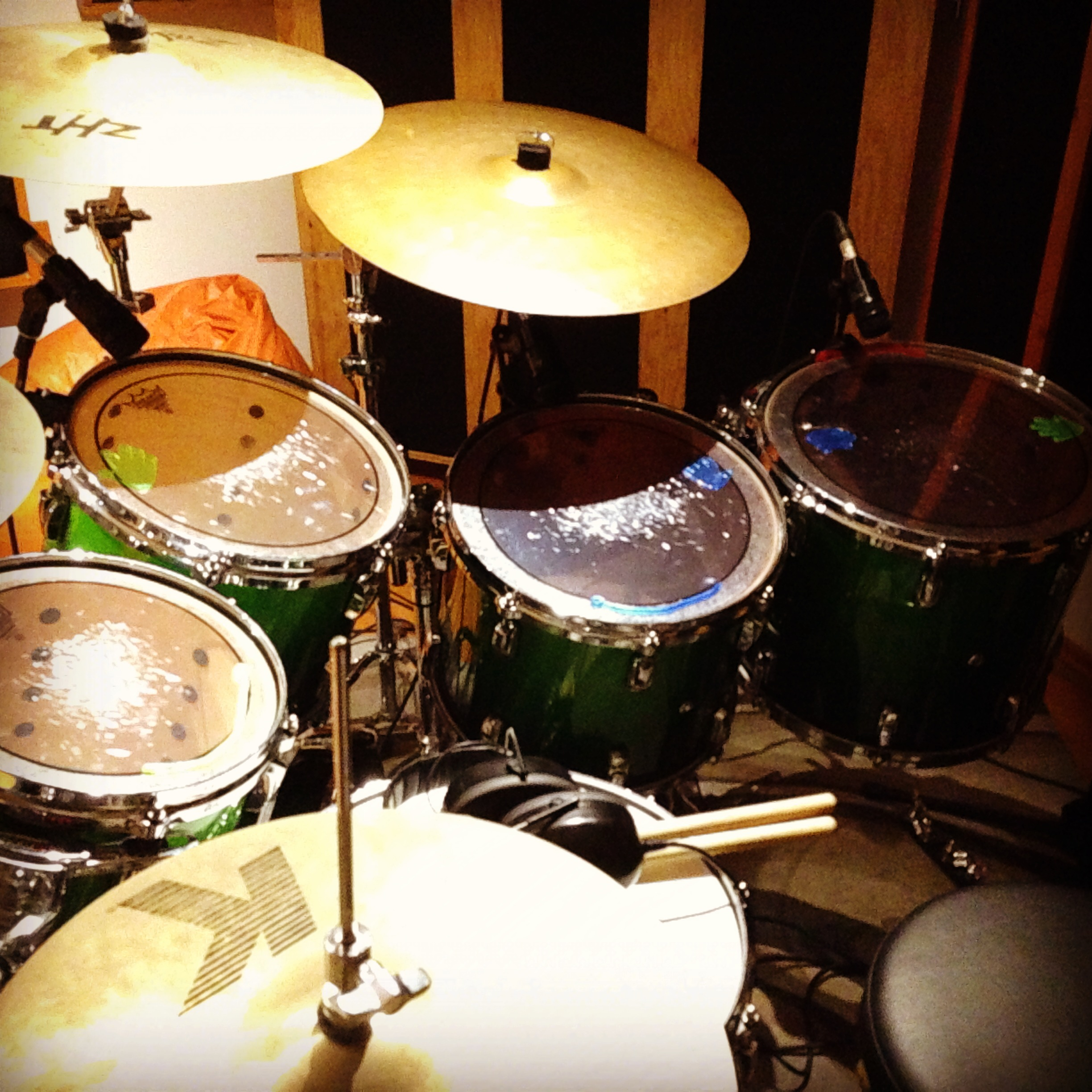 recording drums with sticky hands