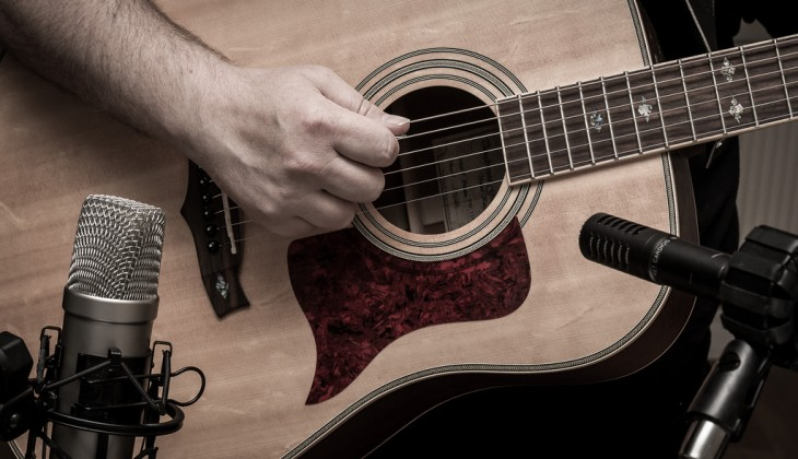 Walking Through the Production Process of Recording Acoustic and Electric Guitars (Videos)