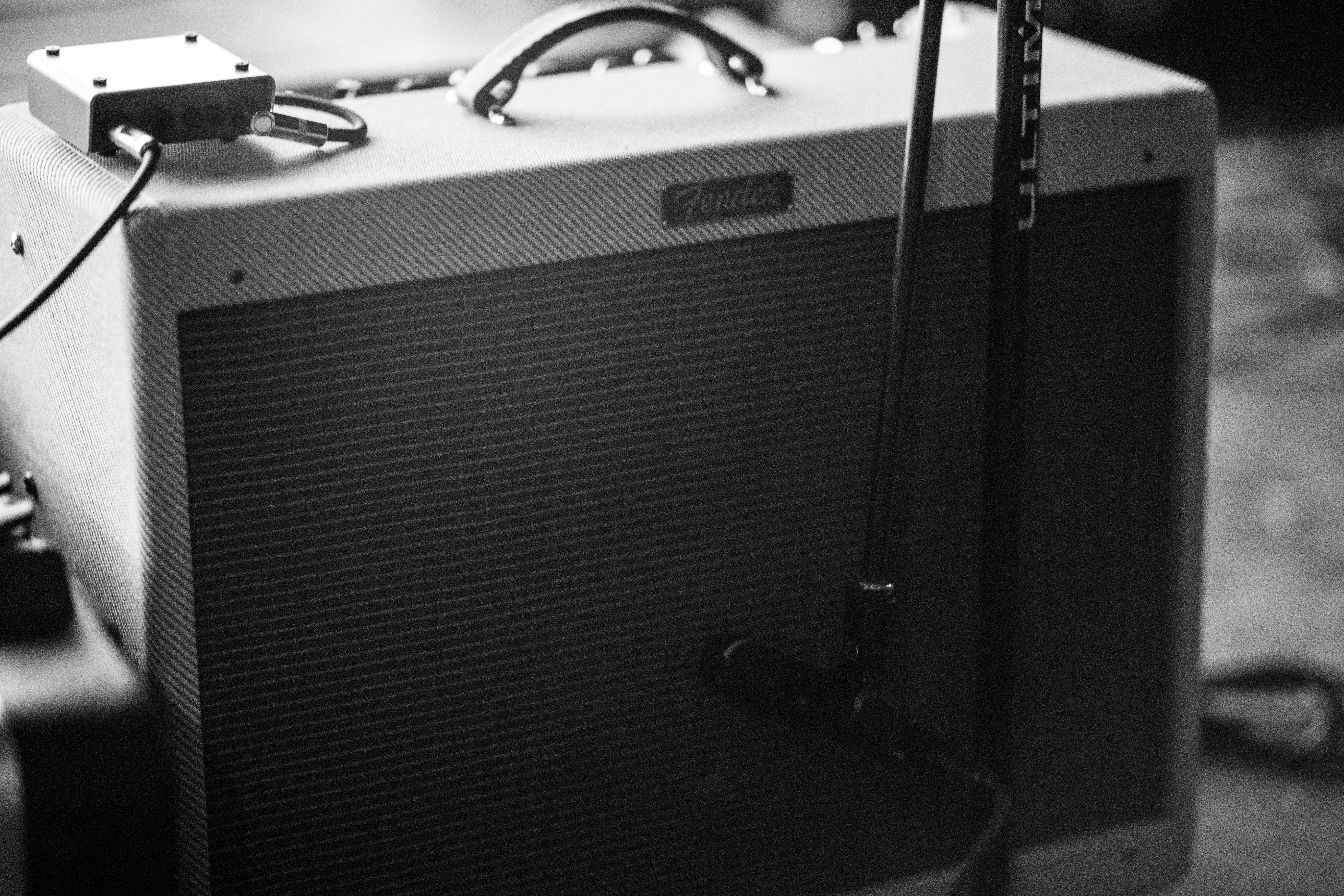 How To Record Electric Guitars The Easy Way - Audio Issues