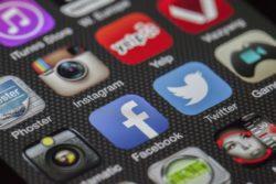 quit social media